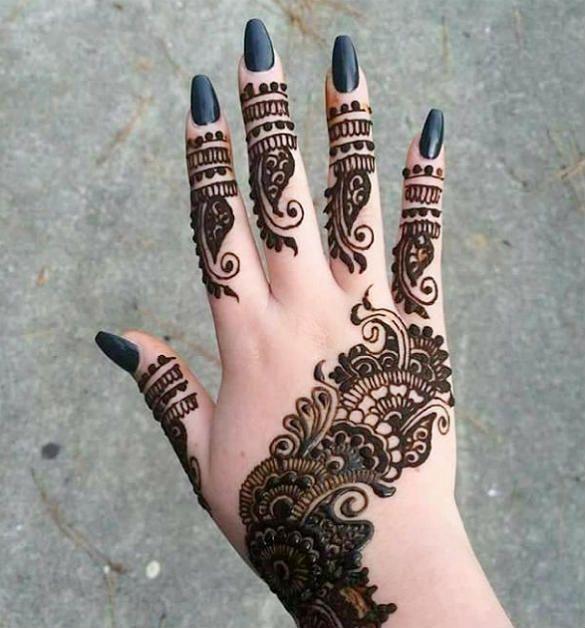 modren beautiful back hand mehndi design