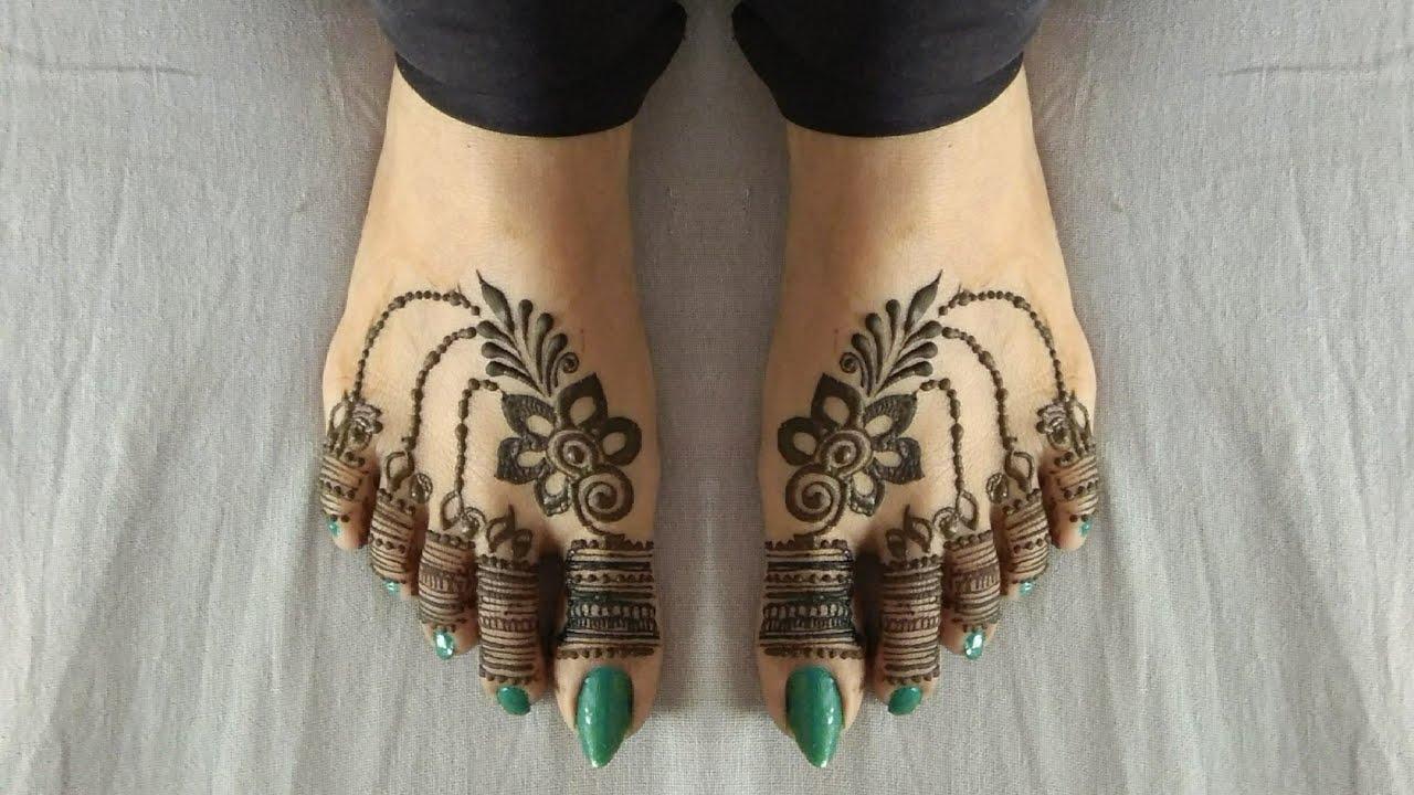 most nice mehndi design of bridal
