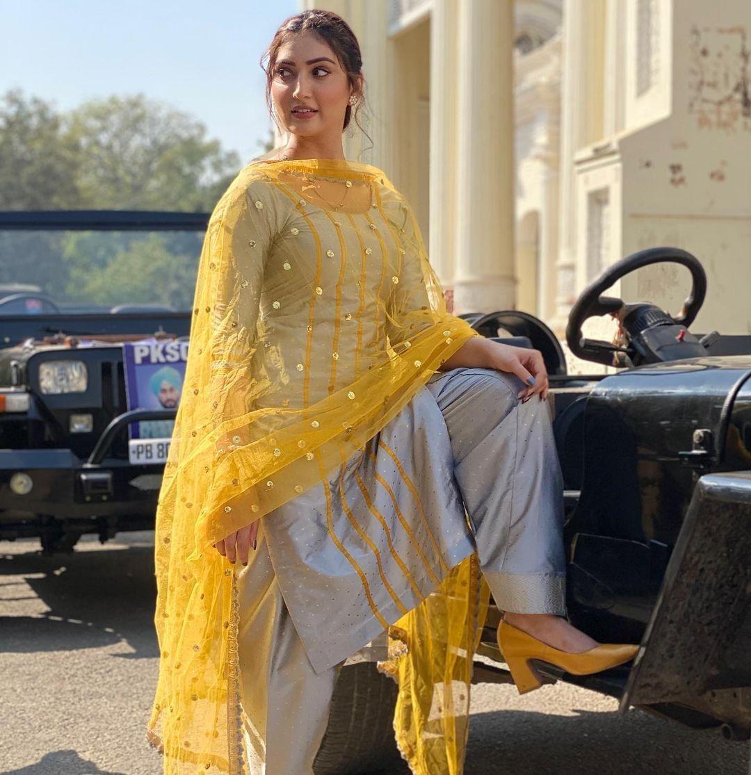 Latest Salwar Kameez Designs For Pregnant Lady
